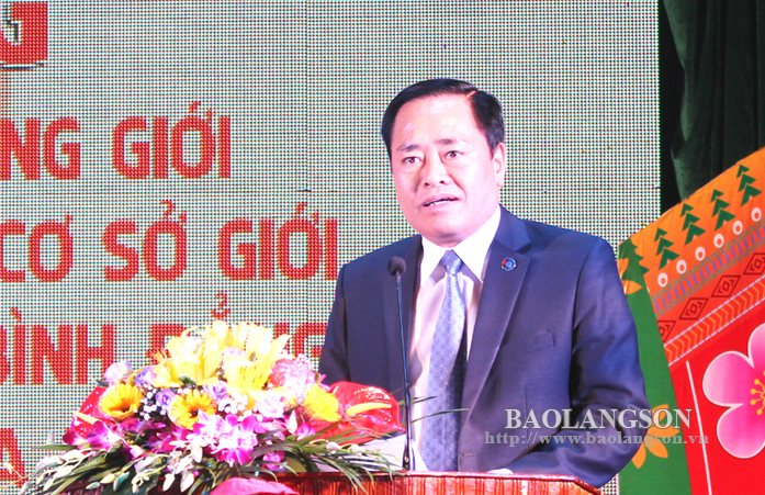Đồng chí Hồ Tiến Thiệu, Phó Chủ tịch UBND tỉnh, Trưởng Ban Vì sự tiến bộ của phụ nữ tỉnh phát động Tháng hành động vì BĐG