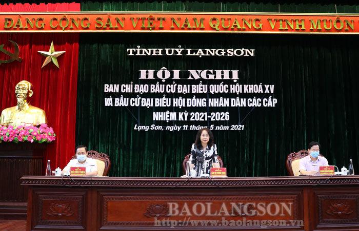 Đồng chí Lâm Thị Phương Thanh, Ủy viên Trung ương Đảng, Bí thư Tỉnh ủy, Trưởng Ban Chỉ đạo bầu cử tỉnh phát biểu tại hội nghị